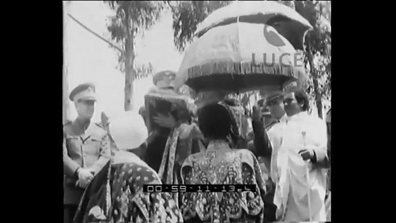 Il vicerè presenzia lapertura delle feste del Maskal, alla fine della stagione delle pioggie.