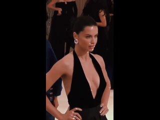 Adriana Lima at the Met Gala 2017 dressed as Alberta Ferretti.