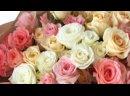 Букет из 15 белых и розовых кустовых роз микс Эквадор 40 см