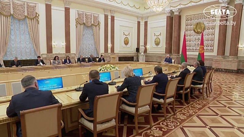 Лукашенко деятельность Конституционной комиссии должна быть гласной и открытой