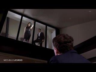 Муж наблюдает за женой и любовником через стекло