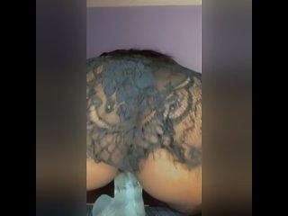 Её Киска Сладко Обхватывает Член | Porn Клубничка | Секс и Порно Видео Wish I was riding a real dick instead.