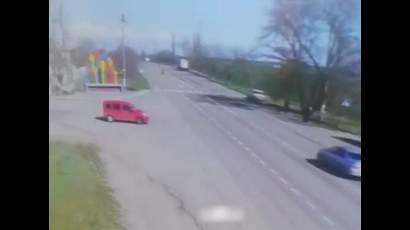 Украинский летчик. На удивление выжил, и сейчас находится в больнице.