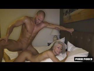 Горячая блондинка жестко трахается. Немецкая шлюха [порно, ебля, инцест, минет,