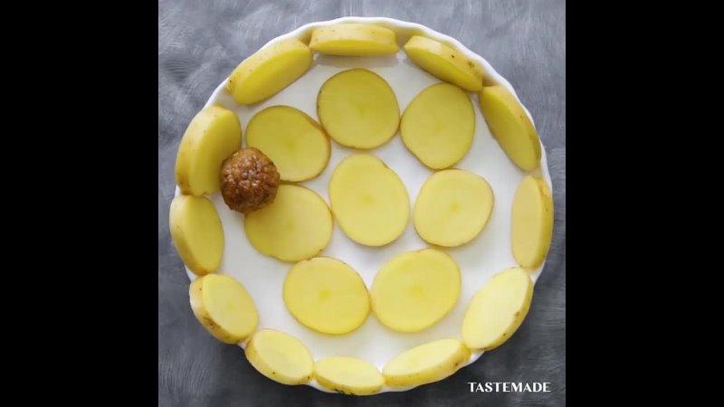 Запеканка из картофеля и фрикаделек