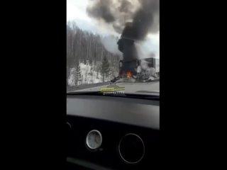 На трассе Кузбасс - Алтай сгорел грузовой автомобиль алтайской сети «Мария-Ра» (Инцидент Барнаул)