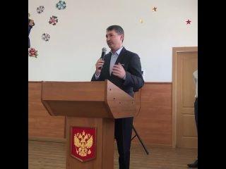 В Карачаево-Черкесии открыли еще одну «Парту Героя». Теперь такое почётное место появилось и в гимназии №18 г. Черкесска.«Парт