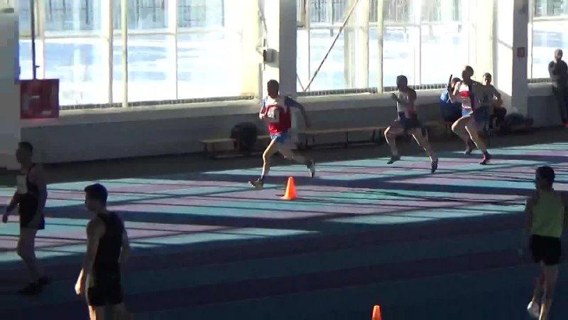 Эстафета 4 х 200 метров Команда челябинского клуба ЧЕЛМАСТРС бежит на ЧР по л а среди вет 13 14 марта 2021г в г Челябинске