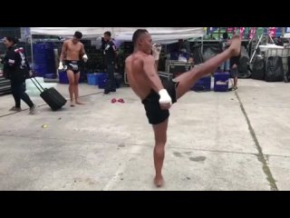 Ударная техника для ММА от Саенчай ( Saenchai ) Тайский бокс