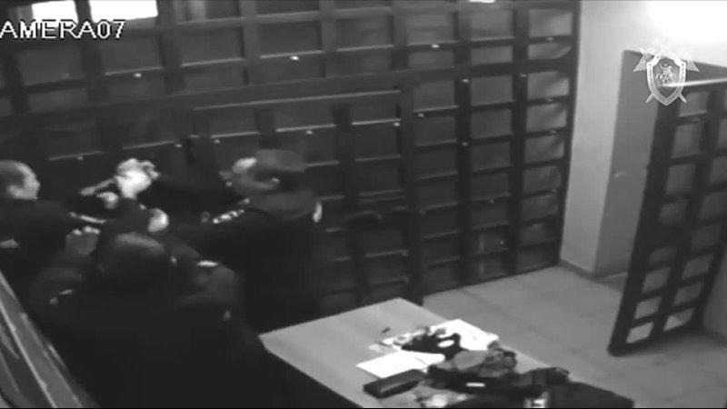 Нападение с пистолетом на полицейского в Коми
