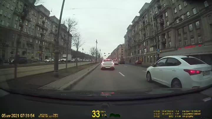 Дтп на Московском паровозик, кто-то забыл выпить утренний кофе..