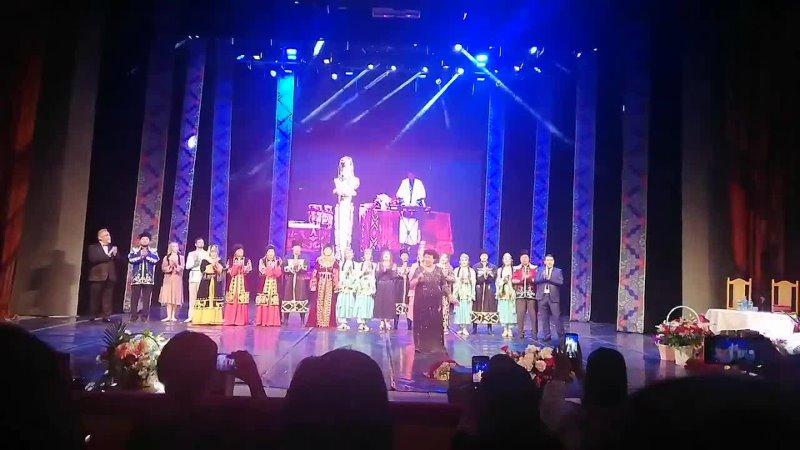 Видеоотрывок с юбилейного концерта народной артистки РФ Асият Кумратовой 1