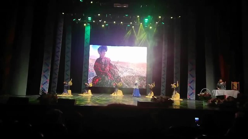 Видеоотрывок с юбилейного концерта народной артистки РФ Асият Кумратовой 3