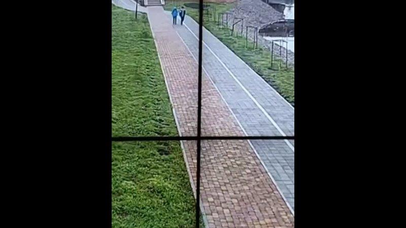 Хулиганье на набережной Солнечная в Кореновске