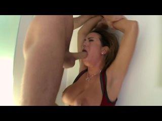 James Deen жестко трахнул выебал сочную мамку в анал жопу попу сраку порно секс с milf rough sex big tit boob anal porn hardcore