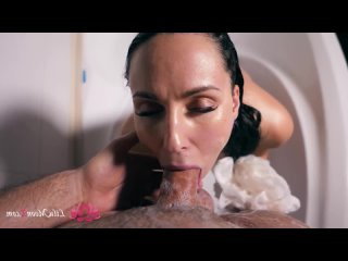 Lilu Moon Hard Doggy Sex and Cum Swallow in Bathroom¡ Closeup_Lilu Moon_1080p