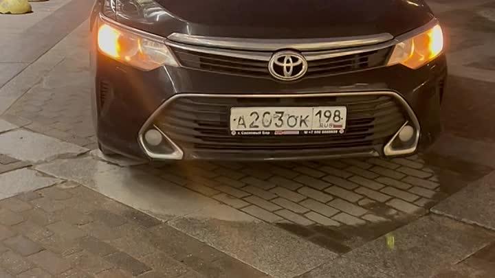 26 апреля один очень вежливый владелец автомобиля перекрыл въезд и выезд автомобилю на парковке, а т...