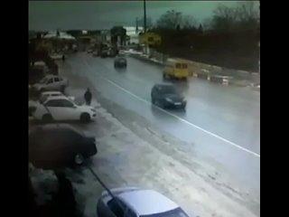 В Дагестане гонщик на своем пепелаце жестко зацепил пешехода