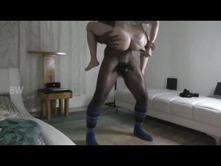 Белая сексапильная дамочка записала видео для мужа рогача (домашнее порно куколд домашка жена изменяет BBC slut - порно