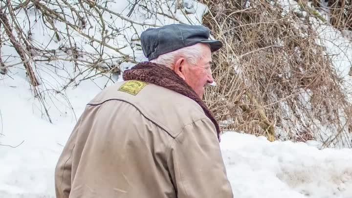 [Истории Из Шкатулки] 75-летний дед пришел в автосалон и хотел сесть в дорогую тачку. Но его выгнали, а когда он вернулся.