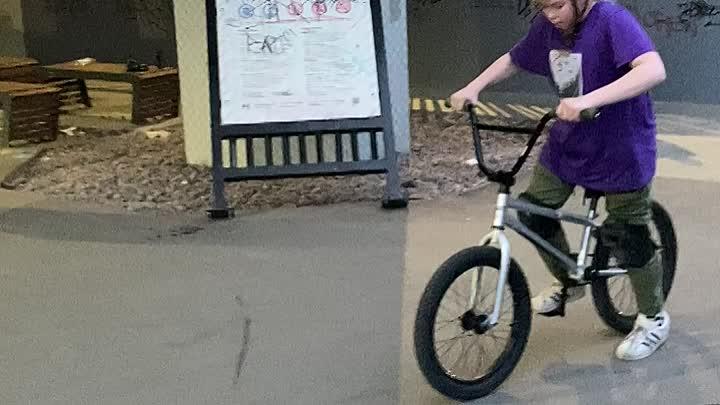 Только что неизвестные украли детский велосипед бмх по адресу гражданский проспект дом 112 корпус дв...