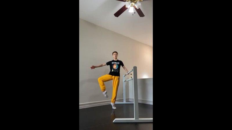 Крутая растяжка для экстрим балета