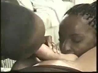 Африканские близняшки ублажают белого туриста  СЛИВ  малолетка teen анал фулл ebony african негритянка отсос ana foxxx zaawaadi
