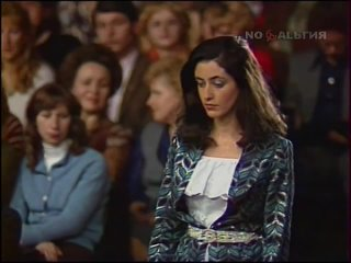 Тамара Гвердцители. Цветёт сирень.