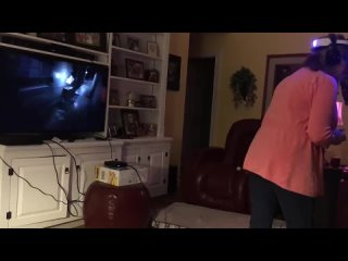Mom mistakes PlayStation VR for real
