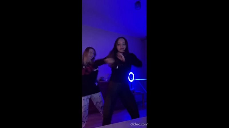 Деффчонки Танцуют под трек Таблы