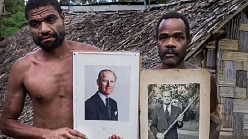 Есть остров в океане где смерть принца Филиппа переживают еще сильнее чем в Букингемском дворце На островах Вануату живет пле