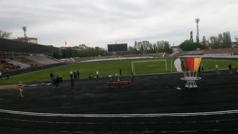 7 Вика бежит 400 м