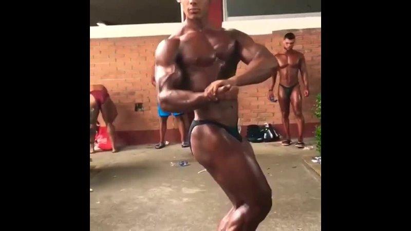 Binaraga Junior Jaime Moreno Posing Practice