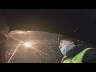Инспекторы ДПС Красноярска задержали неадекватного водителя