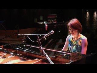 Carolina Shout Stephanie - Trick (2014)