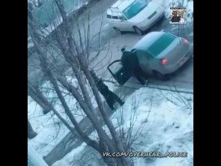 В Перми парень затолкал в багажник свою пьяную сожительницу и увёз домой