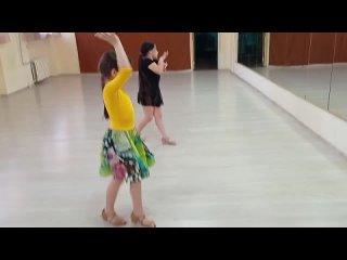- подготовка перед выступлением на соревнованиях по бальным танцам