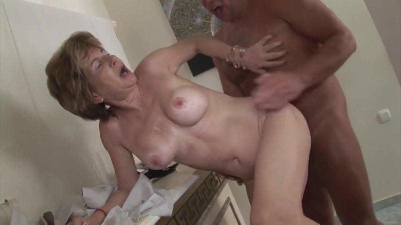 ПОРНО ЕЙ 62 БАБКА ДАЛА ДЕДУ ЗА ПОБЕДУ porn sex granny gilf