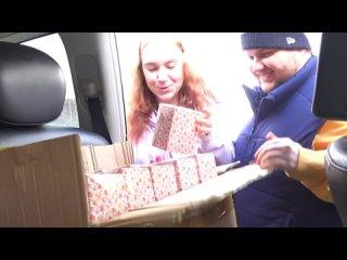 [Masha Zoom] ОРУУ! ДЕНЕЖНЫЕ КЕКСЫ 😱 Сколько Внутри ДЕНЕГ? Подарок от ТАЙНОГО ПОКЛОННИКА!?