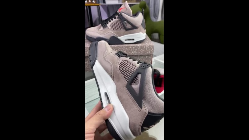 Обзор Air Jordan 4 Retro QX Taupe Haze