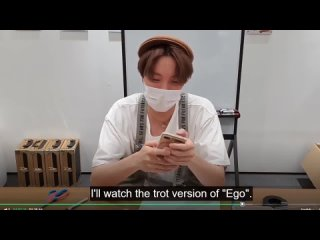 BTS - [Eng Sub] J-HOPE REACTION TO (Maknae Line sing EGO) by JM, V, JK TROT VERSION