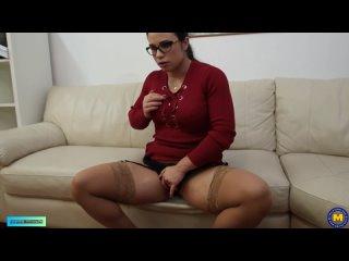 Hot mom Ninel Mojado loves anal sex by a huge cock