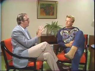 "Rutger Hauer on Blade Runner (Джон Тиббетс берет интервью у Рутгера Хауэра о ""Бегущем по лезвию"" в 1982 году.) (англ.язык)"