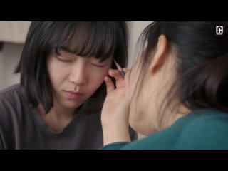 This makeup tutorial gets REALLY up close and personal _ Our Love Story(720P_HD).mp4