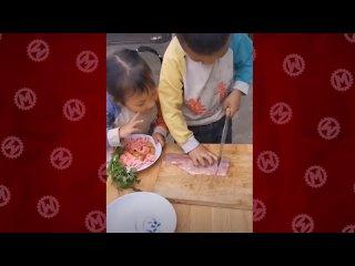 [Мастерская Настроения] Этот 3-х Летний Ребенок Легко Может Приготовить Себе Завтрак