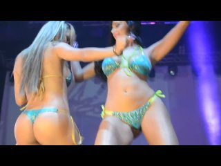 CHICAS CAR AUDIO, hot colombian thick girls compilation PART 2