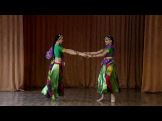 Танцевальная композиция по мотивам индийского фильма Васанта Борисенко Софья Панченко Кристина