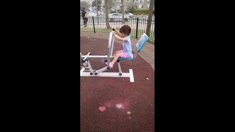 Моя маленькая принцесса Натулечка заниматься спортом в Израиле, Кирьят Моцкине 🇮🇱🇮🇱🇮🇱