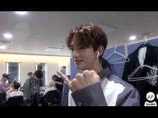 skz talker; jeongin bought a ring for hyunjin