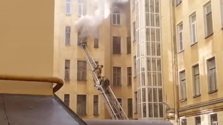 Пожар в доме Некрасова 15/ Маяковского, 19. Пожарные рукава рвались 5 раз